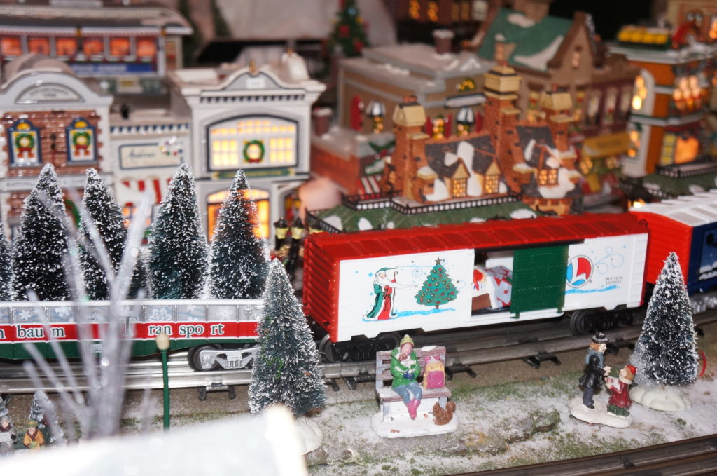 kids_lasdon_train_show_2016 Holiday Events With The Kids 2016